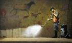 banksy-graffiti-work-artist-stencil